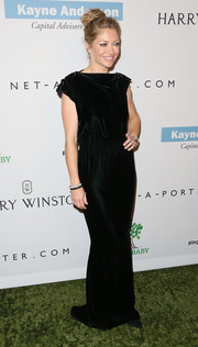 Rebecca Gayheart went for classic sophistication with this black evening dress at the Baby2Baby Gala.
