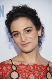 Jenny Slate sported a cute curly updo at the New York premiere of 'The Secret Life of Pets.'