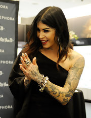 Kat Von D got a shiny metallic silver minx manicure for her solo art show presented by Sephora.