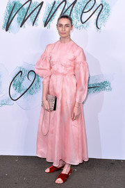 Erin O'Connor continued the old-school vibe with a pair of flat velvet sandals, also by Emilia Wickstead.