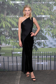 Lily Donaldson was classic in a dual-textured one-shoulder gown at the Serpentine Summer Party.