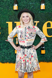 Kristen Bell looked cool in a Venice-themed shirtdress by Prada at the Veuve Clicquot Polo Classic.