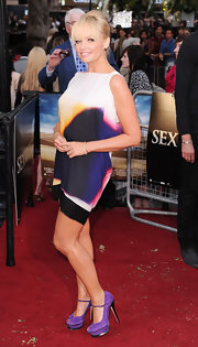 Emma supported her fellow Spice Girl sister and sported a fabulous printed frock from her Spring 2010 collection.