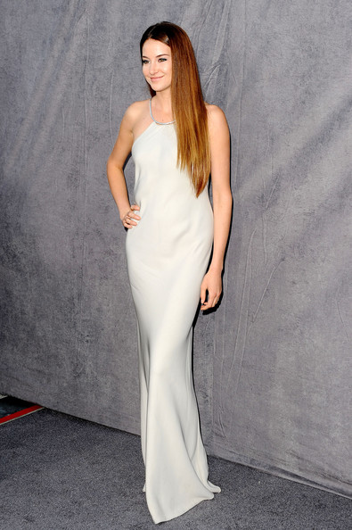 Shailene Woodley Evening Dress [clothing,fashion model,dress,shoulder,gown,white,waist,fashion,neck,haute couture,arrivals,shailene woodley,critics choice movie awards,california,los angeles,the hollywood palladium]