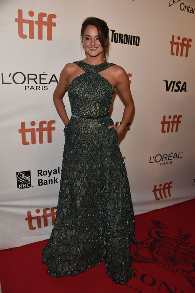Shailene Woodley Halter Dress [dress,red carpet,clothing,carpet,shoulder,premiere,fashion,hairstyle,flooring,gown,toronto,canada,roy thomson hall,toronto international film festival,premiere,shailene woodley,snowden premiere - arrivals,snowden]