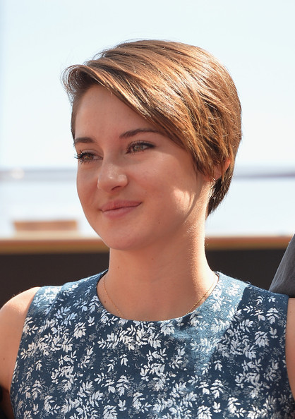 Shailene Woodley Side Parted Straight Cut [shailene woodley,kate winslet,hair,face,hairstyle,blond,chin,beauty,bob cut,eyebrow,hair coloring,lip,ceremony,walk of fame,hollywood walk of fame,california]