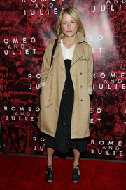 Mamie Gummer arrived at the 'Romeo and Juliet' Broadway opening wearing a beige trenchcoat over a black-and-white dress.