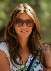 Elizabeth Hurley looked casual and relaxed with her tresses slightly tousled at the unveiling of the Shane Warne statue in Melbourne, Australia.