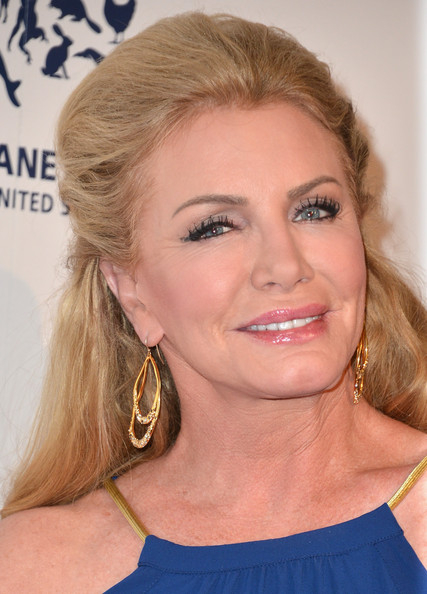 Shannon Tweed Gold Dangle Earrings [hair,face,hairstyle,blond,eyebrow,chin,beauty,lip,nose,long hair,arrivals,shannon tweed,beverly hills,california,the beverly hilton hotel,genesis awards benefit gala]