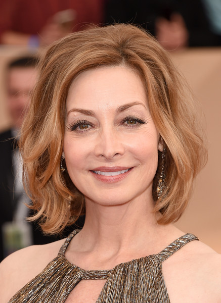 Sharon Lawrence Bob [hair,face,eyebrow,hairstyle,blond,lip,shoulder,chin,skin,beauty,arrivals,sharon lawrence,screen actors guild awards,los angeles,california,the shrine auditorium]