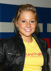 Shawn Johnson swept her hair up in a messy updo for the Lunchables event.