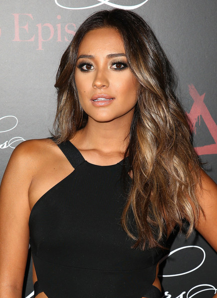 Shay Mitchell Smoky Eyes [pretty little liars,episodes,hair,face,hairstyle,eyebrow,long hair,brown hair,beauty,black hair,shoulder,blond,shay mitchell,w hollywood,hollywood,california,episode celebration]