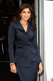 Shilpa Shetty strolled around London in an elegant black wrap dress.