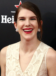 Lily Rabe wore her hair in a simple side-parted ponytail during the New York premiere of 'The Big Short.'