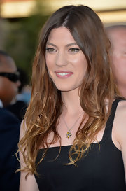 Jennifer showed off her ombre highlights with natural-looking waves.