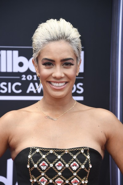 Sibley Scoles Fauxhawk [hair,face,hairstyle,eyebrow,beauty,shoulder,lip,blond,chin,fashion,arrivals,sibley scoles,billboard music awards,mgm grand garden arena,las vegas,nevada]