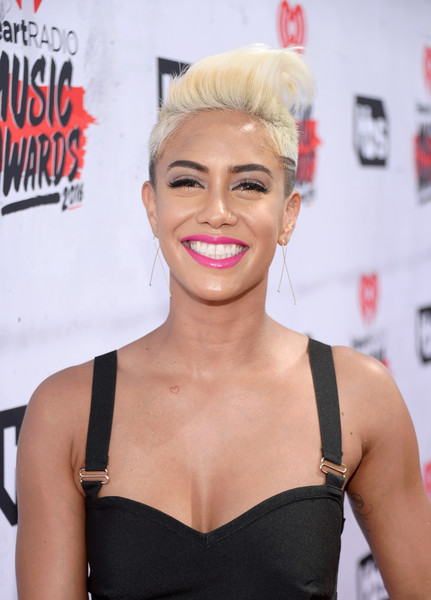 Sibley Scoles Fauxhawk [hair,face,lip,hairstyle,eyebrow,blond,beauty,skin,chin,eyelash,sibley scoles,iheartradio music awards,backstage,tv personality,inglewood,california,the forum]