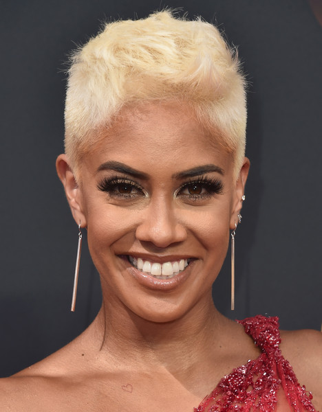 Sibley Scoles Fauxhawk [hair,face,eyebrow,hairstyle,facial expression,lip,chin,beauty,head,skin,arrivals,sibley scoles,tv personality,microsoft theater,los angeles,california,primetime emmy awards]