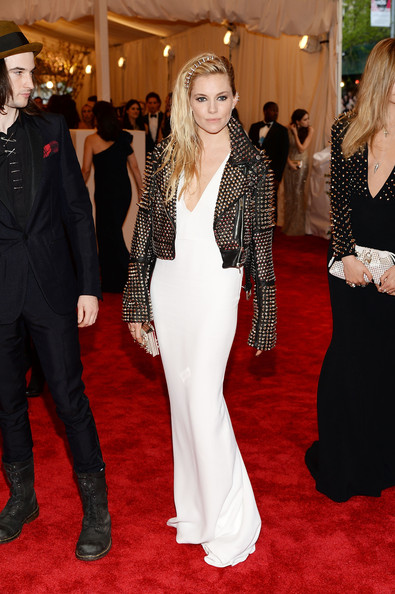 Sienna Miller Evening Dress [punk: chaos to couture,flooring,carpet,red carpet,dress,gown,fashion,fashion model,shoulder,formal wear,outerwear,sienna miller,new york city,metropolitan museum of art,punk: chaos to couture costume institute gala,exhibition]