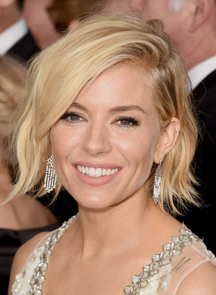 Sienna Miller Short Wavy Cut Short Hairstyles Lookbook StyleBistro