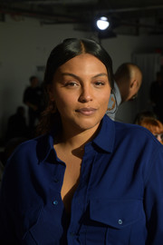 Paloma Elsesser wore her hair in a center-parted ponytail at the Sies Marjan Fall 2020 show.