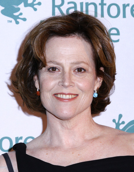Sigourney Weaver Bob [hair,face,hairstyle,eyebrow,chin,forehead,brown hair,smile,lip,layered hair,american museum of natural history,new york city,rainforest alliance gala,sigourney weaver]