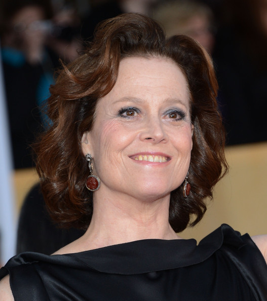 Sigourney Weaver Curled Out Bob [hair,face,hairstyle,eyebrow,chin,smile,brown hair,layered hair,premiere,official,arrivals,sigourney weaver,screen actors guild awards,los angeles,california,the shrine auditorium]