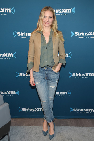 Cameron Diaz was casual-chic in ripped jeans, a utility shirt, and a tan jacket while visiting SiriusXM's Town Hall.