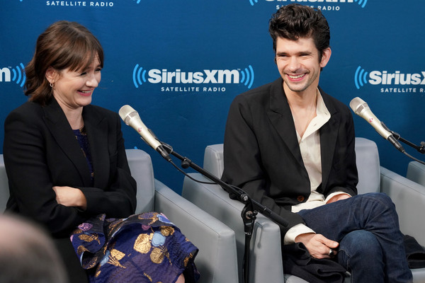 More Pics of Emily Mortimer Pumps (2 of 33) - Heels Lookbook - StyleBistro [town hall with the cast of mary poppins returns,spokesperson,event,news conference,conversation,interview,speech,white-collar worker,journalist,newscaster,employment,ben whishaw,emily mortimer,new york city,siriusxm]