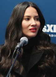 Olivia Munn's red lipstick totally brightened up her beautiful face.