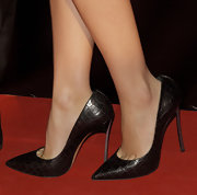 Ana de Armas strutted down the red carpet of the Madrid premiere of 'Skyfall' in black pointed toe pumps.