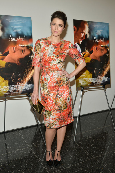 Mary Elizabeth Winstead's black T-bar pumps were just as charming as her fitted floral frock.