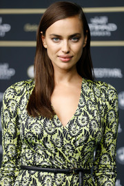Irina Shayk wore her hair down in a simple straight style during the Zurich Film Festival premiere of 'Snowden.'