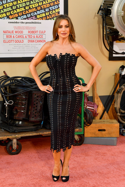 Sofia Vergara Strapless Dress [once upon a time...in hollywood,clothing,dress,strapless dress,fashion,carpet,hairstyle,cocktail dress,red carpet,footwear,little black dress,arrivals,premier,sofia vergara,los angeles,hollywood,california,sony pictures]
