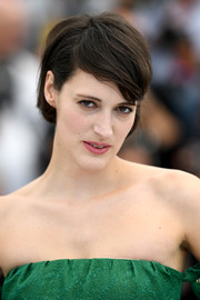 Phoebe Waller-Bridge sported a short side-parted hairstyle at the Cannes Film Festival photocall for 'Solo: A Star Wars Story.'