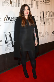 Mia Tyler wore a fitted LBD to the Songwriters Hall of Fame Induction Ceremony.