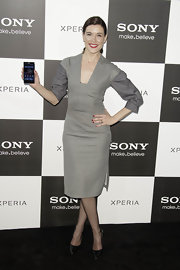 Raquel Sanchez Silva opted for this modern and sleek cocktail dress for her red carpet look at the Sony event in Madrid.