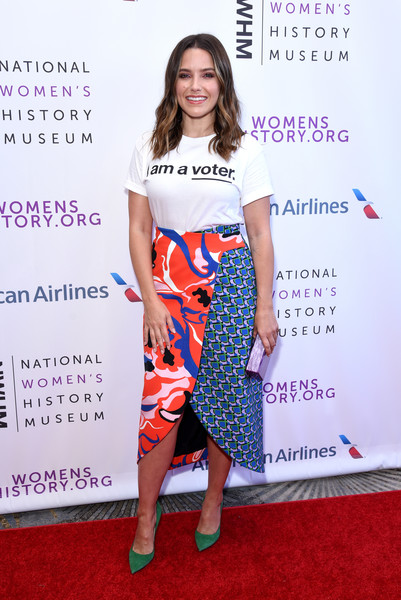Sophia Bush T-Shirt [flooring,shoulder,fashion model,carpet,fashion,red carpet,joint,fashion show,product,fashion design,beverly hills,california,the beverly hilton hotel,national womens history museums 7th annual women making history awards,sophia bush]
