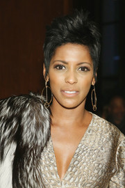 Tamron Hall wore her hair in a towering fauxhawk at the Sophie Theallet Fall 2016 show.