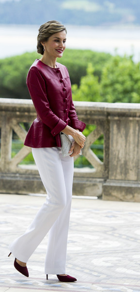 More Pics of Queen Letizia of Spain Berry Lipstick (1 of 58) - Queen Letizia of Spain Lookbook - StyleBistro