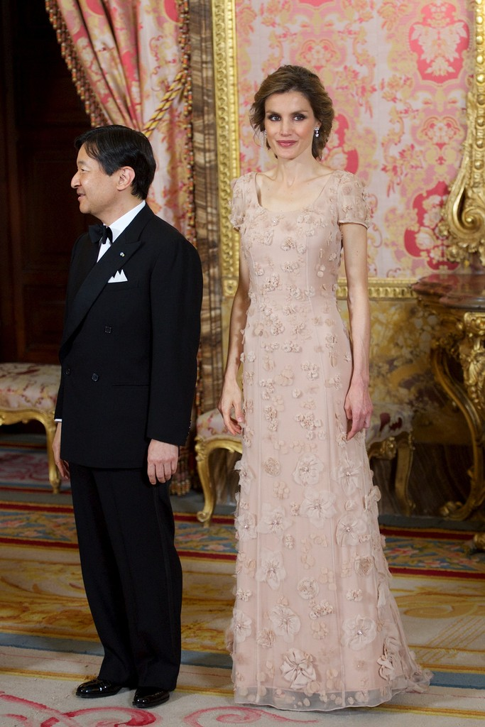 June 2013 We Dare You To Find One Flaw In Queen Letizia