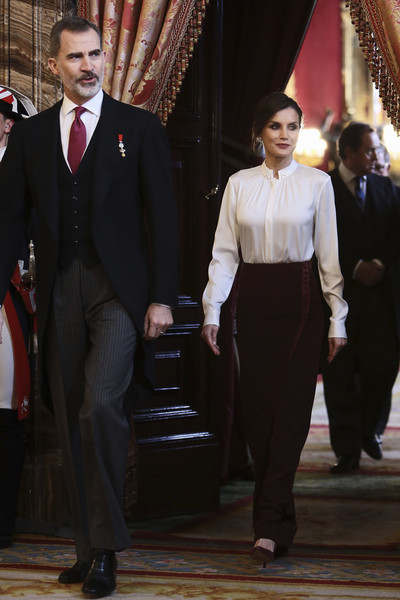 More Pics of Queen Letizia of Spain Fitted Blouse (1 of 39) - Tops Lookbook - StyleBistro [felipe vi,royals,letizia,suit,formal wear,fashion,tuxedo,event,uniform,outerwear,white-collar worker,spanish,zarzuela palace,spain,madrid,diplomatic corps]
