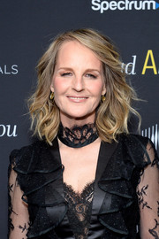 Helen Hunt looked glamorous with her shoulder-length waves at the premiere of 'Mad About You.'