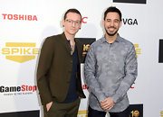Chester Bennington's brown blazer at the Video Game Awards had a retro feel.