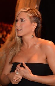 Jennifer Aniston rocked a peek-a-boo side braid at Spike TV's 'Guys Choice 2013' show.
