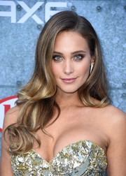 Hannah Davis wore her hair in a lovely cascade of waves during Spike TV's Guys Choice 2015.