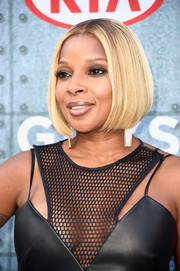Mary J. Blige attended Spike TV's Guys Choice 2015 wearing a super-neat center-parted bob.