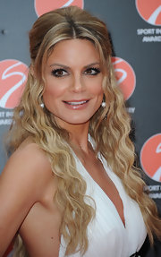 Charlotte Jackson went with a boho chic style for the Sport Industry Awards, wearing her lengthy locks in sexy beachy waves.