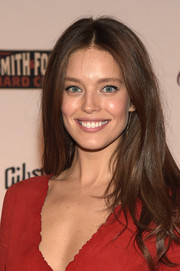 Emily DiDonato opted for a casual center-parted style when she attended the SI Swimsuit Takes Over the Schermerhorn event.