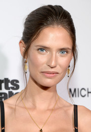 Bianca Balti kept it simple with this loose bun at the Sports Illustrated 2017 Fashionable 50 celebration.